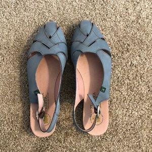 El Natura Lista shoes
